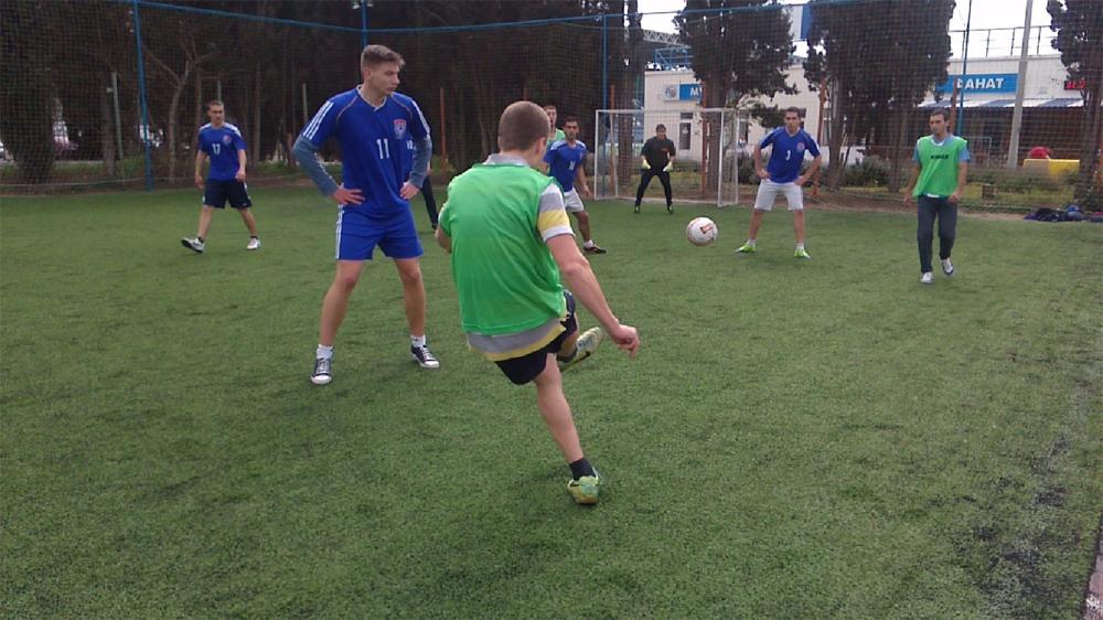 Футболисты МГУ столкнулись сильным соперником